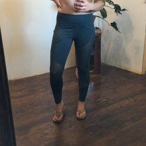 Forever21 mesh workout leggings